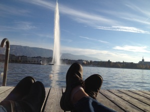 just a couple of new friends having a little snack by the jet d'eau