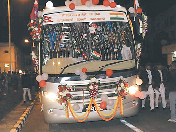 20150304direct-bus-service-to-varanasi-from-tomorrow-600x0.jpg
